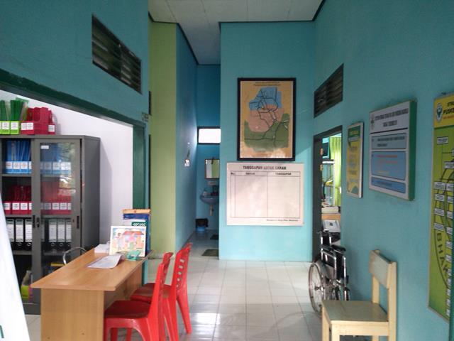 Koridor Loket Tata Usaha dan Loket Pendaftaran